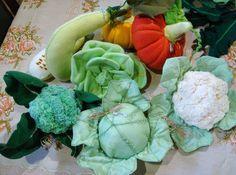 confecciona qualquer fruta,verdura,legume,raizes,tuberculos,comidas em geral em tecido e feltro.com detalhes do interior do item <br>consulte