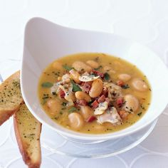 Littleneck Clam Soup with Butter Beans and Saffron. We should do more soup and bread nights. Bean Soup Recipes, Chowder Recipes, Wine Recipes, Seafood Recipes, Saffron Recipes, Canned Butter, Little Neck Clams, Sustainable Seafood, Seafood Soup