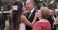 Essa noiva fez uma surpresa ao noivo que até a sogra se acabou em lágrimas