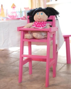 {Ana White Doll Highchair} Another perfect homemade gift for the girls!
