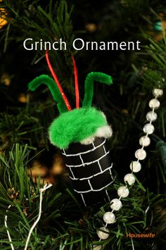 Housewife Eclectic: Grinch Christmas Ornament