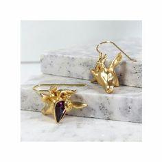 Bill Skinner Antelope Earrings with Pink Swarovski Crystal backs. Available from www.hoochiemama.me Matching necklace also available.  #love #billskinner #instaglam #jewelleryset #jewellery #jewelry #gold #pink #swarovski #earrings #unique #accessories #independent #design #ukdesign #britishdesign #designer #uk #england #shoponline #shop_hoochiemama #hoochiemama #boutique #manchester #hoochiemama_me