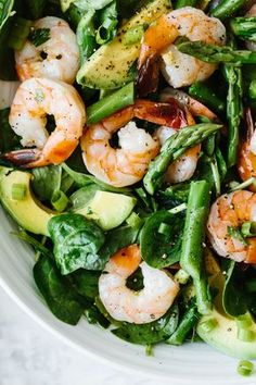 This shrimp, asparagus and avocado salad is utterly delicious and perfect for spring. It's a light, vibrant, creamy and healthy avocado salad. Recipe inspired by Foodie Crush's Citrus Shrimp and Avocado Salad. Shrimp And Asparagus, Asparagus Salad, Shrimp Salad, Asparagus Recipe, Spinach Salad, Shrimp Avocado, Baby Spinach, Spinach Recipes, Shrimp Recipes