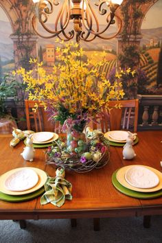 Southern Seazons: Spring tablescapes past and present My Spring, Summer, Container Flowers, Four Seasons, Tablescapes, Past, Centerpieces, Beautiful Places, Table Settings