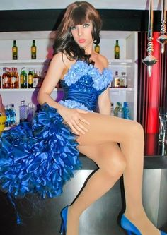 I love that showgirl dress - and matching heels!
