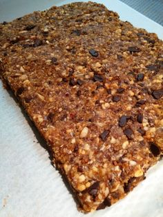 Lovely Date and nut sweet bar recipe - - Healthy Bars, Healthy Sweets, Healthy Snacks, Oreo Trifle, Vegan Baking, Healthy Baking, Eclair, Chocolate Lasagne, Sweet Bar