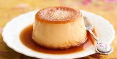 This flan is made with condensed and evaporated milk and baked in a pie dish.Recipe: The Perfect Creamy Caramel Flan . Sugar Free Desserts, Sugar Free Recipes, Köstliche Desserts, Healthy Desserts, Delicious Desserts, Sugar Free Flan Recipe, Spanish Flan Recipe, Tortas Light, Flan Au Caramel