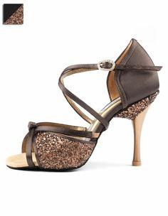 b569814df6 chaussures de danse en couleur taupe avec des strass devant et sur le talon  Talons,