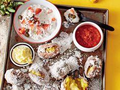 Keine Angst, Salz in solch rauen Mengen ist nicht illegal – es dientdem extraintensiven Kartoffelgeschmack. Da werden auchTomaten-Kapern-Quark, Knobibutt