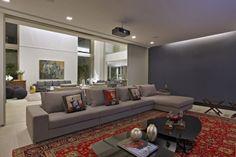 Valorizando os espaços. Veja: http://casadevalentina.com.br/projetos/detalhes/valorizando-os-espacos-573  #decor #decoracao #interior #design #casa #home #house #idea #ideia #detalhes #details #style #estilo #casadevalentina #livingroom #saladeestar