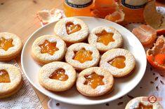 Fursecuri Linzer | Prăjiturici și altele Cookie Recipes, Dessert Recipes, Desserts, Lemon Ricotta Cookies, Romanian Food, Xmas Cookies, Eat Dessert First, Sweet Recipes, Food And Drink