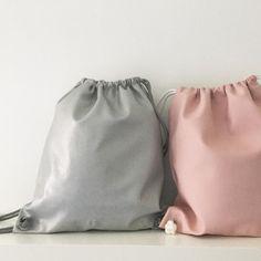 Una pareja perfecta! Great Couple! #boopacks #bolsos #bolsomochila #moda #complementos #fashion #gouconcept #pink #silver