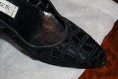 Extremely elegant black embroidered shoes