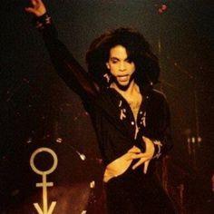 come Mavis Staples, Sheila E, Purple Rain, Madonna, Prince When Doves Cry, Minnesota, Rebel, Graffiti Bridge, The Artist Prince