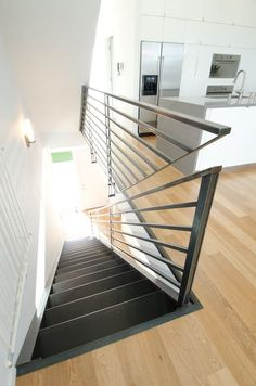 40 Awesome Modern Stairs Railing Design for Your Home - Rockindeco Modern Stair Railing, Stair Railing Design, Stair Handrail, Staircase Railings, Modern Stairs, Stairways, Staircase Ideas, Handrail Ideas, Staircase Pictures