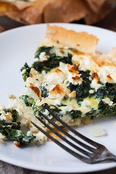 Spinat-Feta-Quiche ohne Boden - super einfach und verdammt lecker Spinach feta quiche without soil. For this low carb recipe you only need 7 ingredients and 10 minutes preparation time. Veggie Recipes, Low Carb Recipes, Vegetarian Recipes, Cooking Recipes, Healthy Recipes, Pizza Recipes, Spinach Feta Quiche, Spinach Risotto, Law Carb