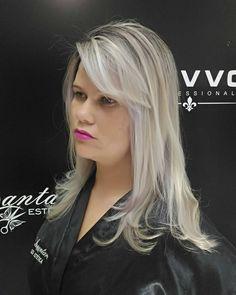 Trabalho realizado com a linha vevvo profissional produtos de qualidade para um resultado lindo e satisfatório cabelo saudável  #incantare #vevvoprofessional #neiaincantare #vevvoomelhorpo  vevvoprofissional o melhor produto Micro mechas #clientemaravilhosa #loiroluxo #blondvevvo  #overdadeiroloirodossonhos #clientelinda #loirodossonhos #loveminhaprofissao #loirodivo #loirosaudavel  #loirobafonico #loirosmanteiga #loirosperolados #hair #loirosplatinados #mechasloiras #mechas #antesedepois…