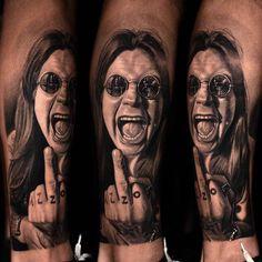 Balck and grey woman tattoo done by tattoo artist Nikko Hurtado Hesperia Nikko Hurtado, Fan Tattoo, Metal Tattoo, Tattoo Life, Rock Tattoo, Ozzy Osbourne, Modern Tattoos, Sexy Tattoos, Body Painting
