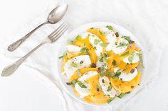 Mango Salat mit Mozzarella, Minze und Thymian: ein fruchtig frischer Sommersalat und eine perfekte Beilage für die nächste Grillparty.
