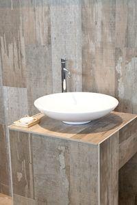 wastafel, hout. gespot op de vt wonen&design beurs (voorheen Woonbeurs Amsterdam