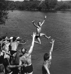 Bainneurs sur la Marne 1944,Robert Doisneau