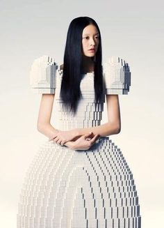 The Amazing Lego Wedding Dress. The LEGO dress was designed by Japanese artist Rie Hosokai. It was created for the Piece of Peace World Heritage built by Lego bricks exhibition in Tokyo, Japan. Lego Wedding, Wedding Wear, Wedding Dresses, Balloon Wedding, Look Fashion, Fashion Art, High Fashion, Fashion Design, Net Fashion