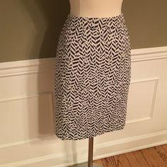 LOFT Patterned pencil skirt! NWOT LOFT. Patterned pencil skirt. Size 2. Zipper up back. Super cute! Any questions let me know! LOFT Skirts Pencil