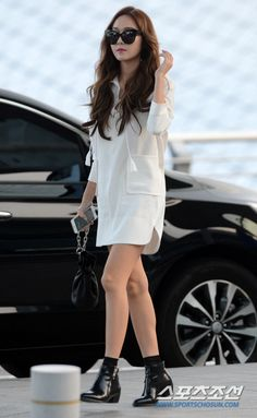 Jessica Jung is off for another overseas schedule ~ Wonderful Generation