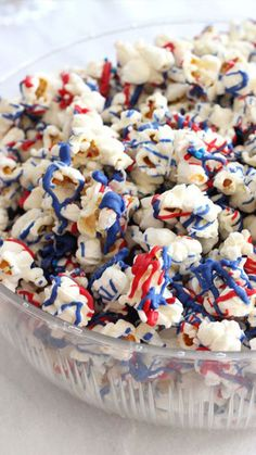 10 American-Themed Foods To Make For A Festive Memorial Day American-themed foods are always fun and festive. Check out these 10 patriotic dishes to make for your Memorial Day celebration. 4th Of July Desserts, Fourth Of July Food, 4th Of July Celebration, 4th Of July Party, July 4th, Patriotic Party, 4th Of July Ideas, Patriotic Desserts, Patriotic Crafts