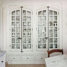 love love LOVE these built ins white with vintage rubbed black hardware. Dinning room or library or office or... well just about anywhere!