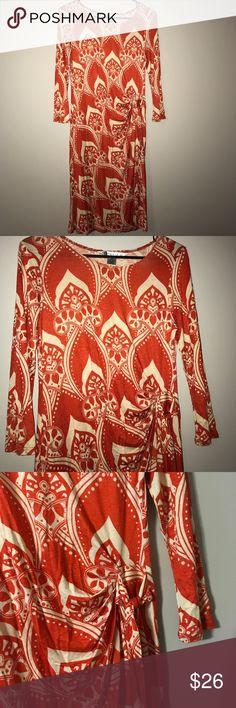 "🍁🍂👉🏽Orange and Cream Shirt with side tie 👉🏽🍂Print Orange and Cream knee length dress with a side tie. 63% poly, 33% Ravon, and 4% Spandex. Length 39"" with 3/4 sleeves. Aa Studio Dresses Midi"