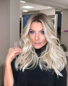 Projeto Along Hair – Recupere em 30 dias Ice Blonde Hair, Blonde Hair Looks, Balayage Hair Blonde, Ombre Hair, Icy Blonde, Look Athleisure, Hair Color Guide, How To Make Hair, Love Hair