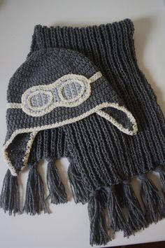 Pilotenmuts + sjaal voor mijn kleinzoon. Patroon gebruikt van de uilenmuts.