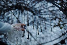 Alice in wonderland dark art fairytale ideas for 2019 Ravenclaw, Story Inspiration, Writing Inspiration, Character Inspiration, Alice In Wonderland Aesthetic, Dark Alice In Wonderland, Chibi Kawaii, Foto Art, Blue Aesthetic