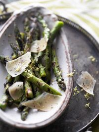 Grilled Asparagus with Parmesan Curls - oh yes please!