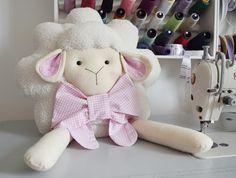 almofada-ovelha-menino.jpg 1.200×906 pixel