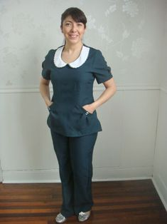 Modelo Rosita                                                                                                                                                                                 Más Scrubs Uniform, Maid Uniform, Maid Outfit, Maid Dress, Nursing Clothes, Nursing Scrubs, Peter Pan Collars, Teacher Style, Feminine Style