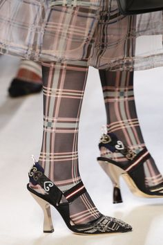 Fashion Week, New Fashion, Spring Fashion, Fashion Shoes, Fashion Trends, Fendi, Sock Shoes, Shoe Boots, Glass Shoes