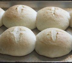 Fresh home made buns! Chicken Sandwich, How To Make Bread, Buns, Hamburger, Breads, Sandwiches, Homemade, Fresh, Food