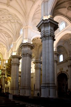 Grenade - Cathédrale de l'Incarnation - LANKAART Renaissance Architecture, Ancient Architecture, Architecture Design, Le Palais, Construction, Chapelle, Photos, Andalusia, Catholic
