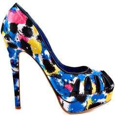 Freshen up your ensemble with a burst of fabulous floral. The Dereon Marsbell brings you a colorful black flowered satin upper with slits at the vamp.