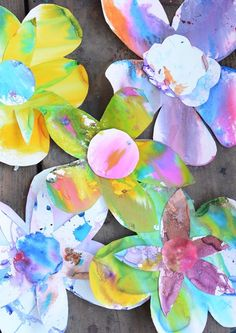 Create Beautiful Art with your Toddler- Spring Watercolor Flowers {Meri Cherry}