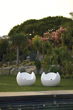 Blos rocking armchair, design Karim Rashid #karim #rashid #blos #design #sofa #furniture