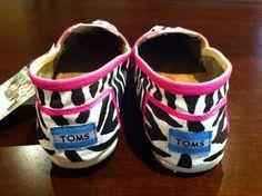I love zebra print! Pink, black and white. <3