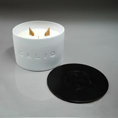 CALIQ Large 3 Wick Candle ABSOLUTE Collection. Weight 700 g