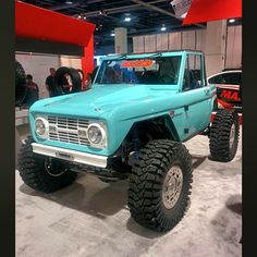 """500hp early Ford Bronco with 4 wheel steering? I'm down. #sema #semashow…"
