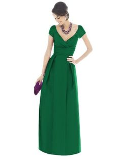 I want a nice dark forest green for the bridesmaid dresses - sadly a bit hard to find at the moment! I love floor length gowns - they're so elegant!