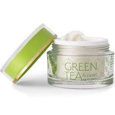 Spennende, naturlige ingredienser Grønn te er et helbredende ekstrakt som har revitaliserende og oppstrammende virkning på huden. Olje fra grønn te har et høyt innhold av vitamin B, C, E og K, og kan ha en sterk revitaliserende effekt på trett og aldrende hud. Huden strammes opp, rynkene blir mindre synlige og grove porer trekkes sammen. Grønn te er en av naturens sterkeste antioksidanter og nøytraliserer frie radikaler svært effektiv. Det er nettopp frie radikaler som står for mesteparten av Pearl Tea, Pearls, Green, Beads, Gemstones, Pearl