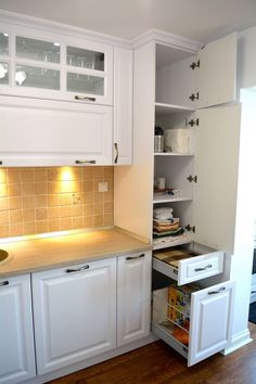 Interior Decorating, Kitchen Cabinets, House, Home Decor, Houses, Kitchens, Interiors, Decoration Home, Home