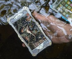 Transformer #Waterproof #iPhone6 6+ Case  Designed for the adventurers and outdoor enthusiasts!